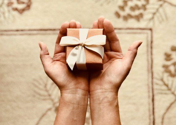 image of a gift box